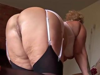 Busty Mature With Curves And Stockings Releasing Her Pussy